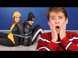 Home Alone! 12 Funny Self-Defense Pranks! Prank Wars!