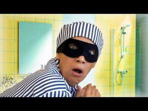 Home alone – SELF DEFENSE HACKS for Granny by Chiko TV